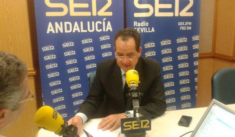 Carlos Sufredini, director del lujoso Hotel Alfonso XIII, durante la entrevista realizada por Salomón Hachuel