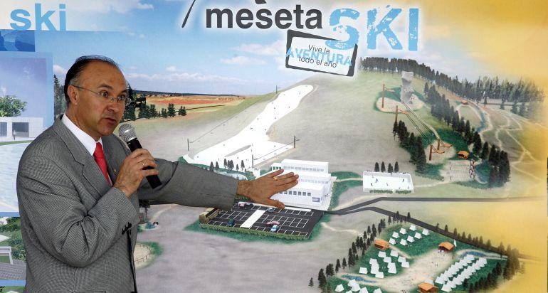 Imagen de archivo de Ramiro Ruiz Medrano, durante la presentación de Meseta Ski en 2006