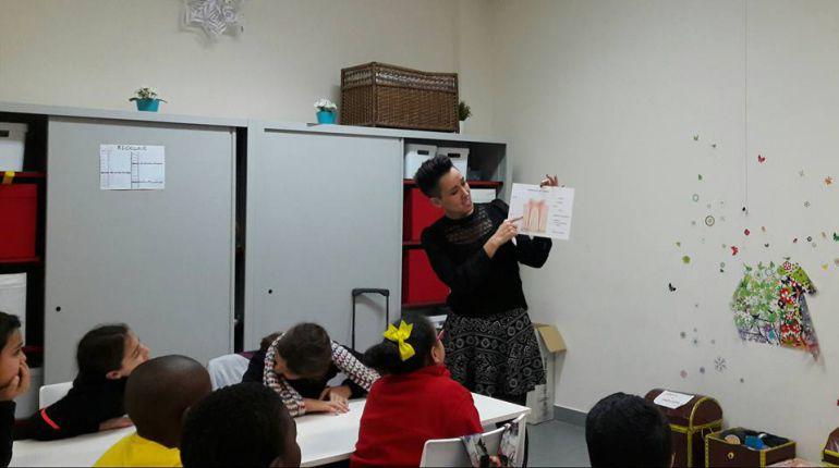 Ahoa ofrece varios programas. Entre ellos, los talleres infantiles de salud bucodental