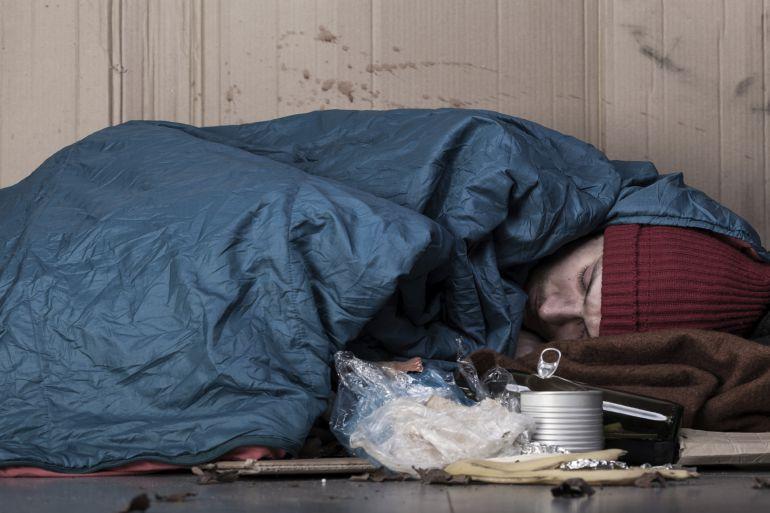 La mitad de las personas que duermen en la calle en Bilbao denuncia agresiones físicas o verbales