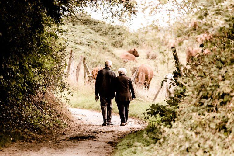 Los pensionistas denuncian la falta de servicios a la tercera edad en el rural