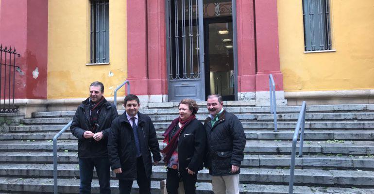 El presidente de la Diputación, Francisco Reyes (en el centro), acompañado por Ángel Vera, Pilar Parra y José Castro.
