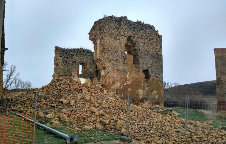Vista de cómo ha quedado tras el último temporal el castillo de Alcuetas