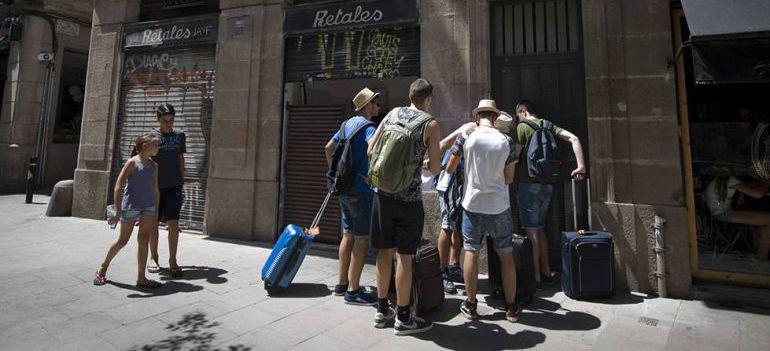 La Comunidad de Madrid tiene solo cinco inspectores para más de 10.000 pisos turísticos: Madrid tiene solo cinco inspectores para más de 10.000 pisos turísticos
