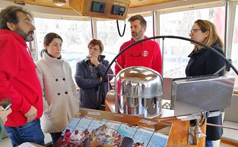 Susana Mora y María Cabrisas visitaron el buque Astral de Open Arms.