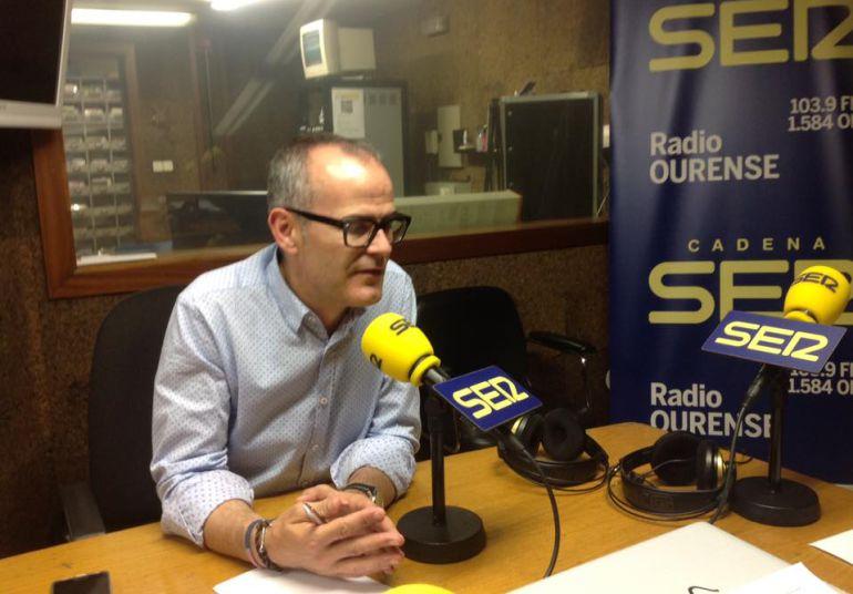 Jesus Vazquez en los estudios de Radio Ourense