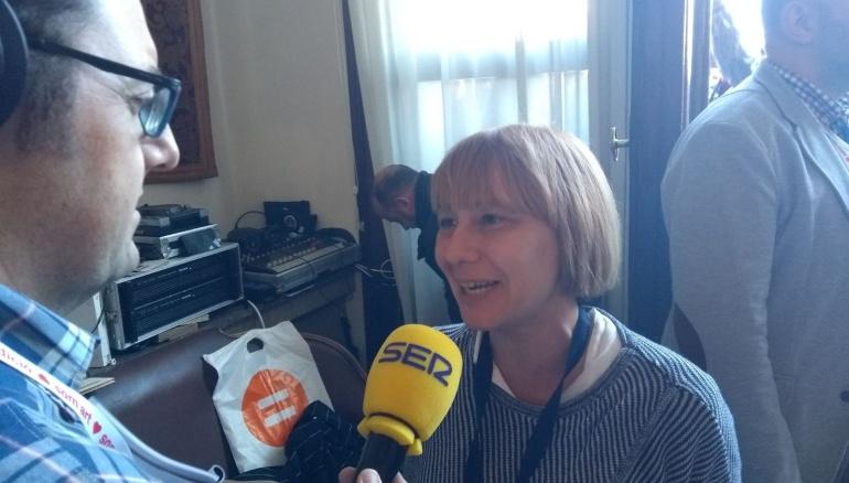 La concejala de Residuos, Pilar Soriano, durante la entrevista en directo en Hora 14 Valencia
