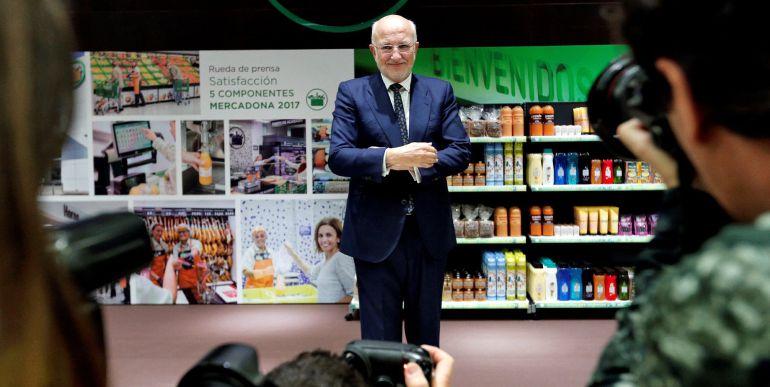 El presidente de Mercadona, Juan Roig, presenta los datos económicos de la compañía correspondientes al ejercicio de 2017 y las previsiones para 2018. EFE Manuel Bruque.
