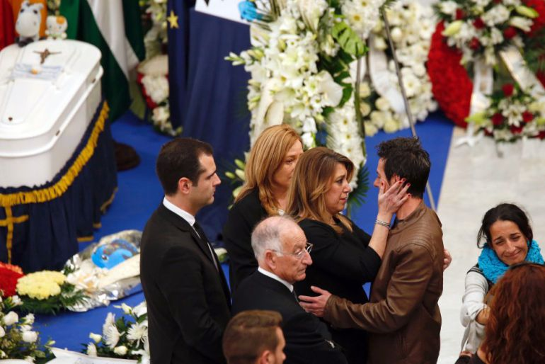 Miles de personas daban su adiós a Gabriel.