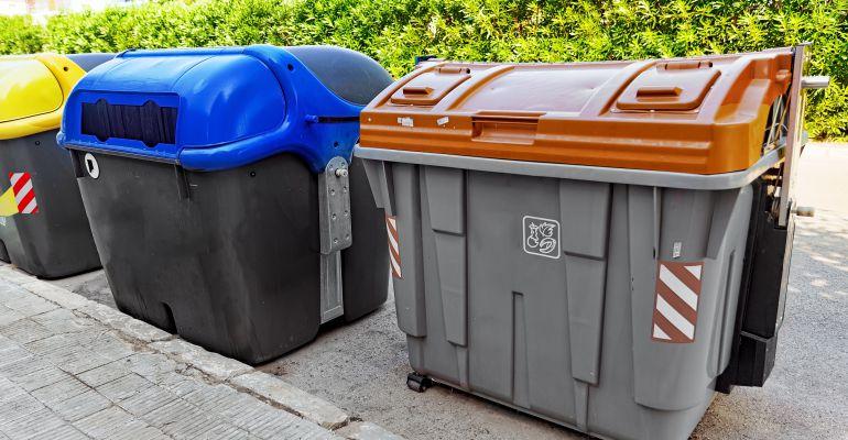 Contenedor marrón para la recogida de residuos orgánicos