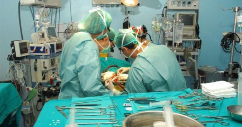 Imagen de archivo de una operación de transplante