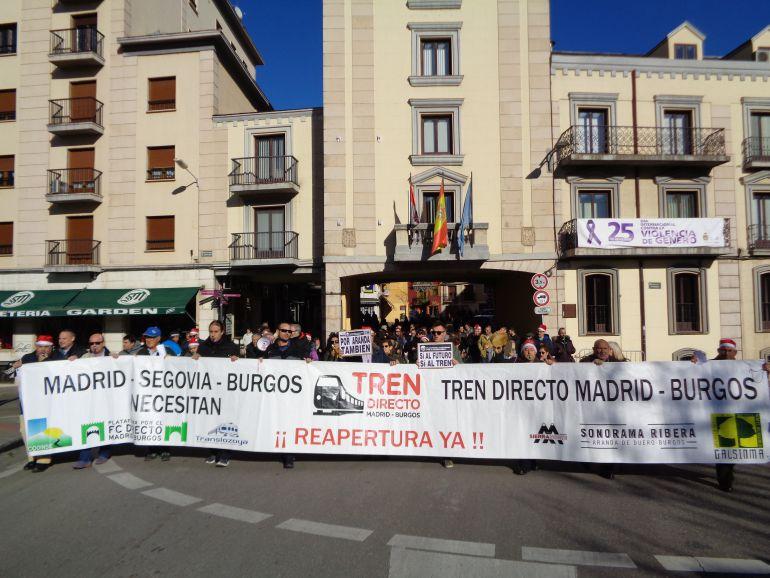La Plataforma por el Tren Directo Madrid-Aranda-Burgos lleva cuatro meses llevando a la calle de forma semanal la reivindicación de la reapertura de la línea