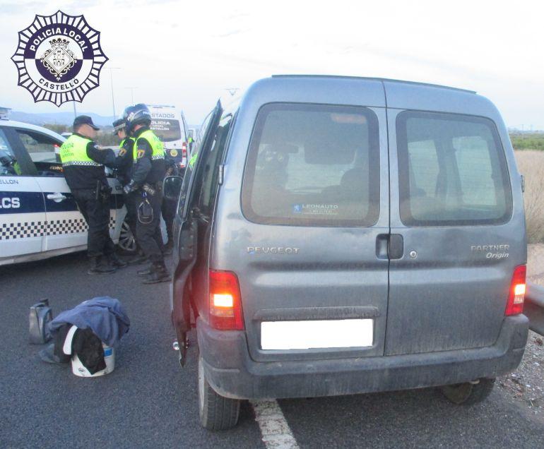 Investigan a un conductor por conducir drogado, de forma temeraria y saltarse un control