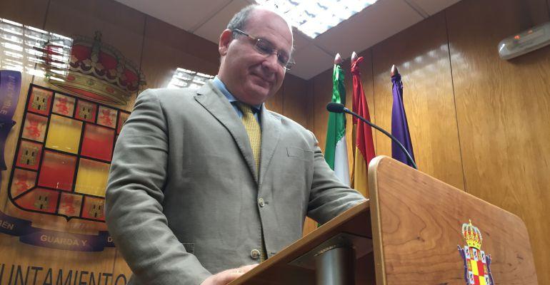 El alcalde de Jaén, Javier Márquez, durante una rueda de prensa.