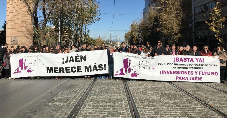 Cabecera de la última manifestación de 'Jaén Merece Más'.