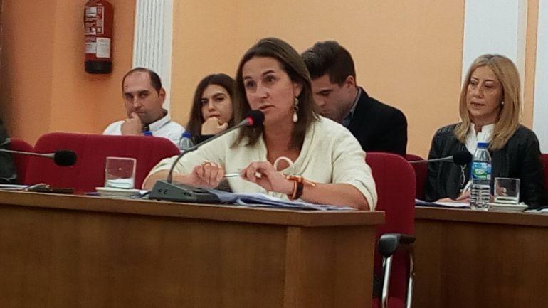 La portavoz popular, Olha Mohíno, denuncia la mala gestión del equipo de gobierno