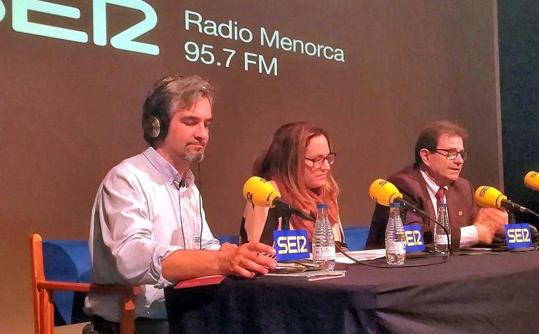 Susana Mora y llorenç Huguet participaron en el programa especial  de Radio menorca sobre la UIB y la UOM.