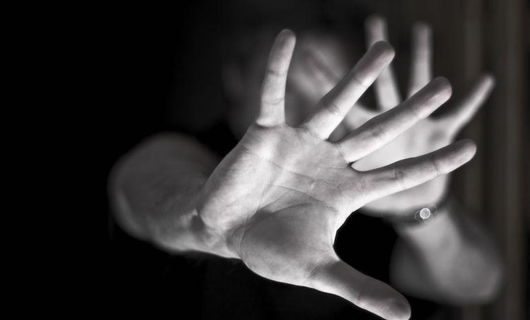 Detenido hombre de 38 años por agredir a su pareja sentimental en plena calle