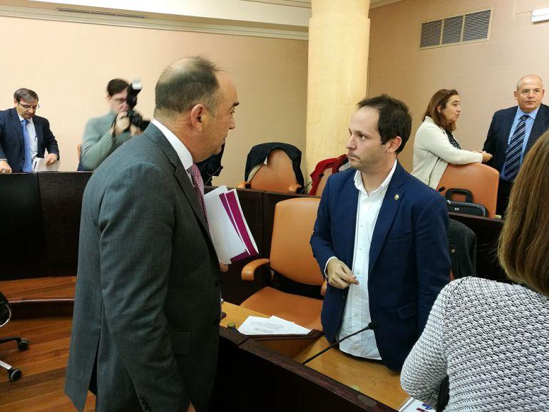 Miguel Ángel de Vicente y Alberto Serna en un pleno de la Diputación Provincial