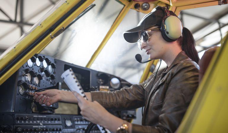 Un libro recoge las historias de las primeras mujeres aviadoras de Getafe
