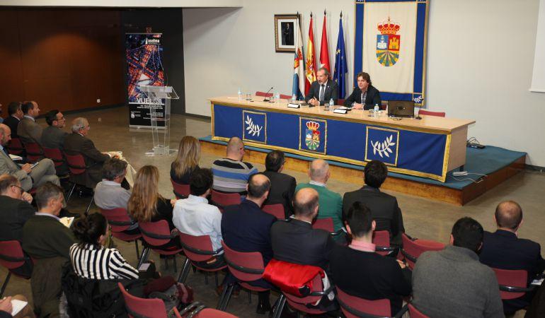 El Ayuntamiento fuenlabreño ha acogido la Jornada de la Asociación Española de Fabricantes de Mezclas Asfálticas.