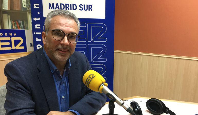 El consejero de Políticas de Familia, Carlos Izquierdo, ha sido entrevistado en los estudios de SER Madrid Sur.