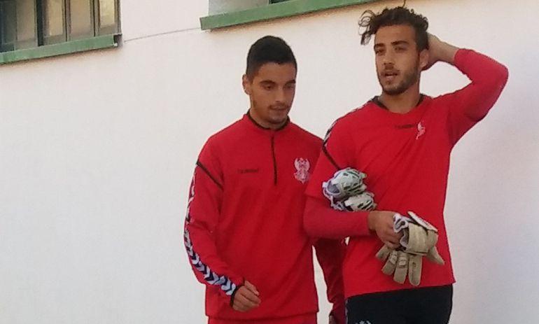 Tomás Sánchez (izquierda) junto a un compañero a la finalización de un entrenamiento