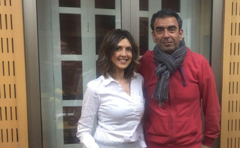 Encarna Talavera, junto al profesor José Manuel López Nicolás, autor del blog Scientia.