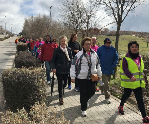 La marcha ha partido a las 10,30 h de la iglesia de Nueva Segovia