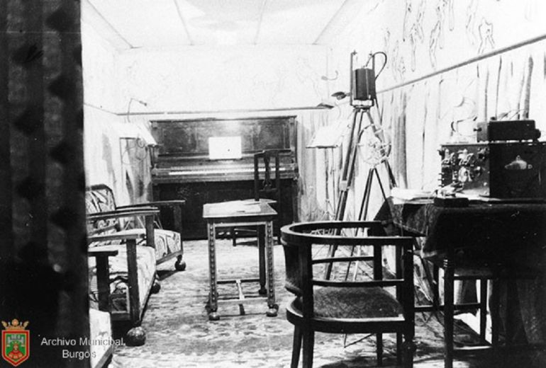 Estudio de Radio Castilla en los años 30