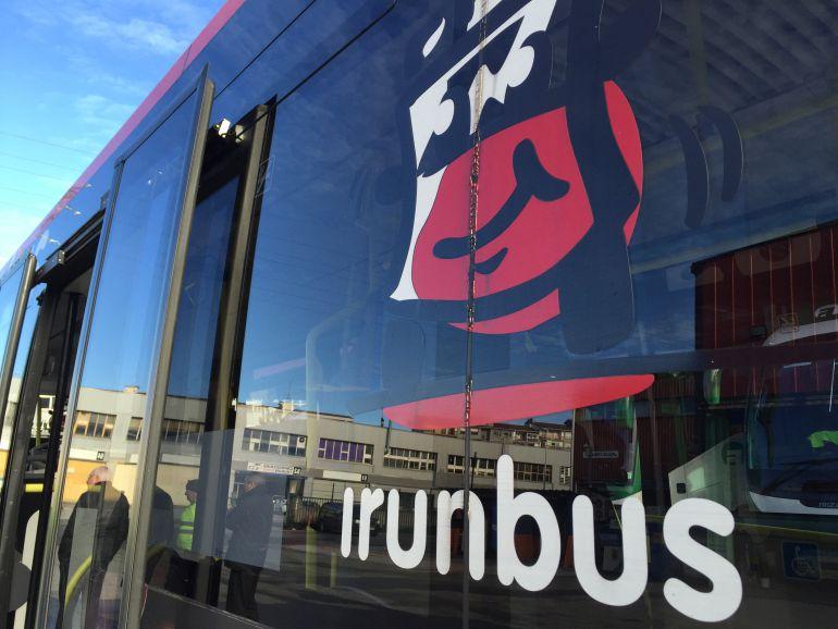 Logo de Irunbus en uno de los autobuses urbanos.