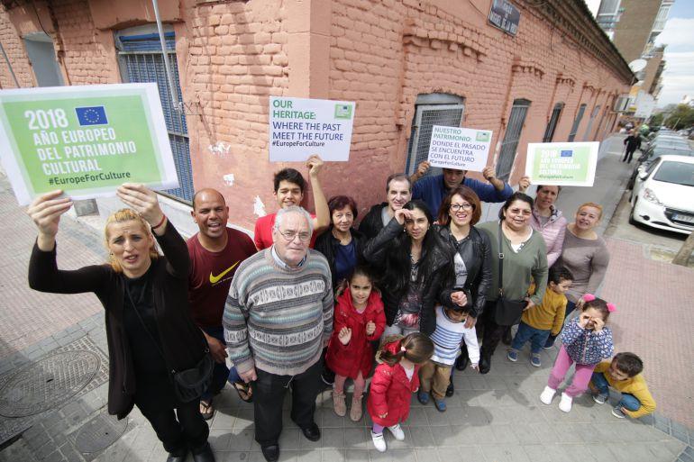 Los vecinos de Peironcely 10 celebran el reconocimiento a su causa que supone la concesión del Sello del Año Europeo del Patrimonio Cultural 2018