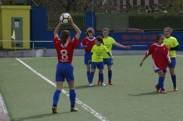 Un lance dun dos partidos do Friol feminino infantil na Copa Gallaecia