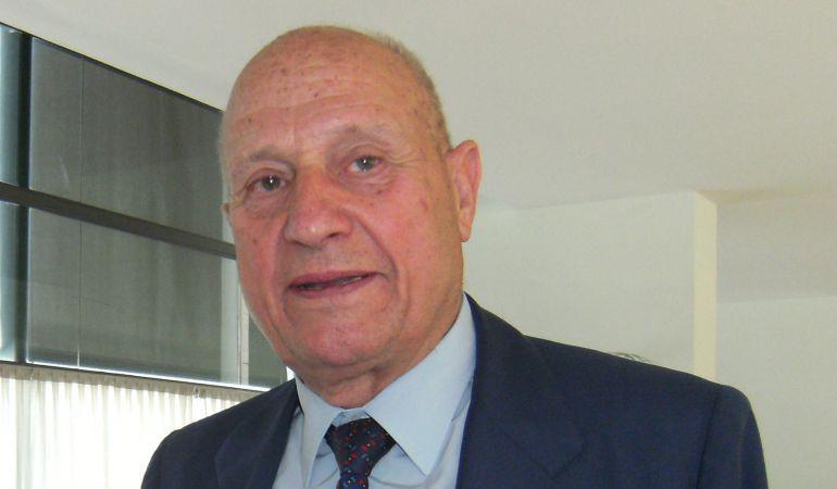 Manuel Losada Villasante da nombre a los premios de Investigación que convoca Radio Sevilla