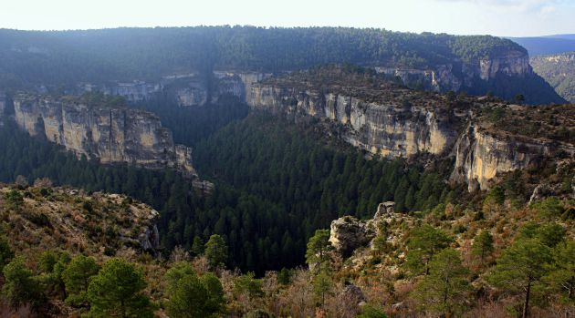 La hoz del río Cuervo se muestra agreste y retorcida.