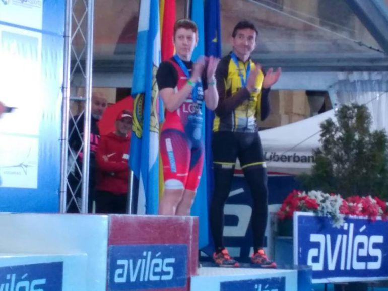 Laura López, sube al podium en Avilés.La atleta ourensana, se hacia con la medalla de bronce, en el Campoenato de España de Duatlón