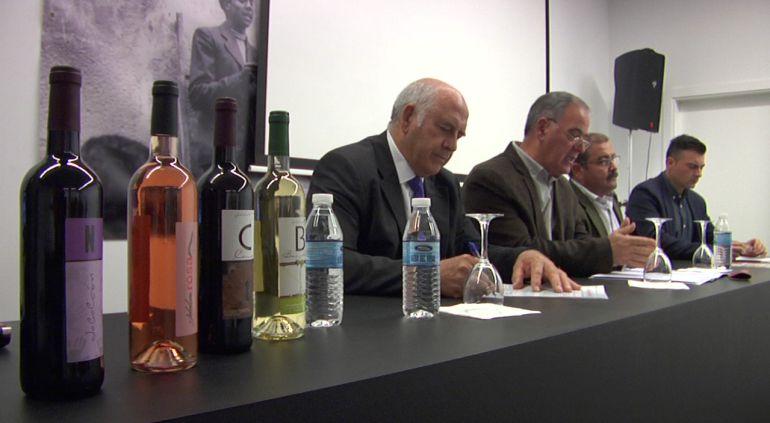 Los expertos hablan en Quesada sobre el futuro del vino de esparteña y el aceite royal en las VII jornadas