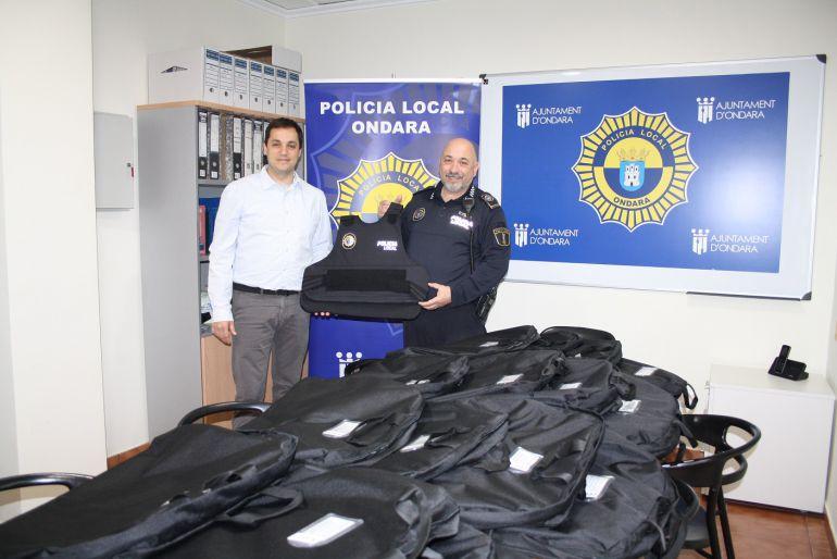 El alcalde de Ondara, José Ramiro y el Jefe de la Policía Local de Ondara, Toni Galiano.