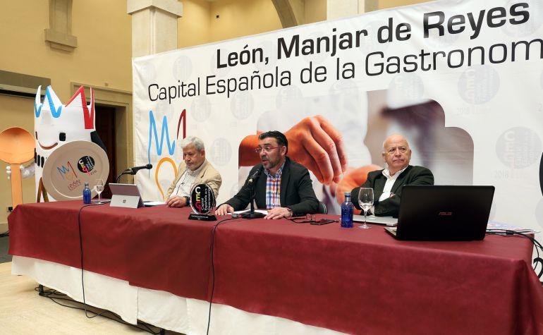 Mariano Palacín, Pedro Llamas y Pedro Palacios presentan el balance de la Capitalidad Gastronómica