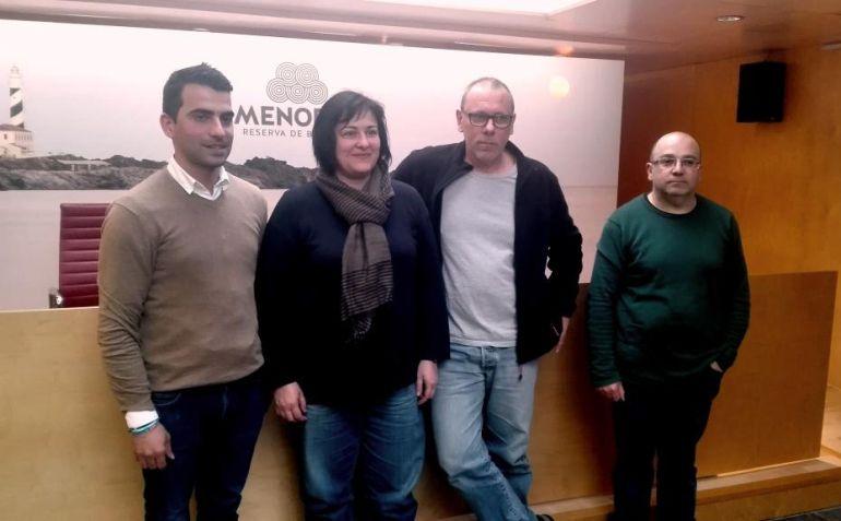 El conseller Miquel Company junto a los joyeros que irán  a Barcelona.