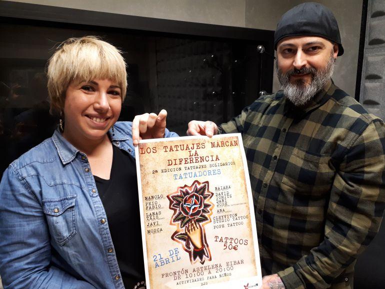 Estíbaliz Blanco, de AFESD, y el tatuador Javier García son dos de los organizadores del evento del día 21