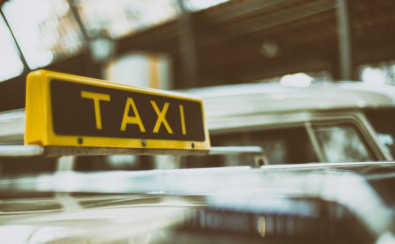 El sector del taxi y la gestión de las licencias y el reparto del trabajo, siempre en boga.