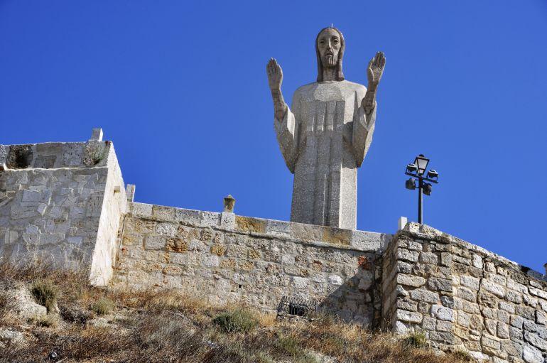 El Cristo del Otero se iluminará de rojo el 17 de abril