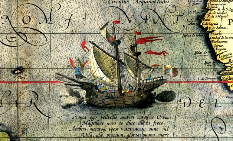 Reproducción de la nao 'Victoria' en un mapa de 1589.