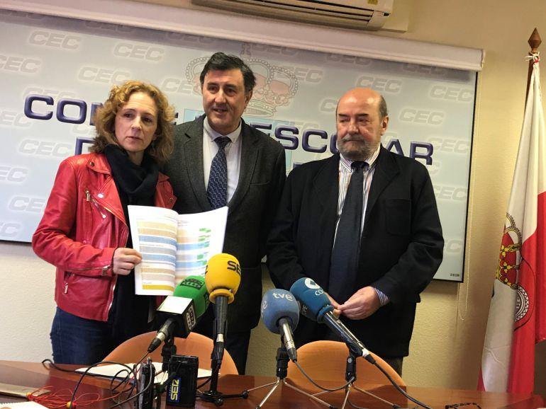 Isabel Fernández, directora de Centros, Francisco Fernández Mañanes, consejero de Educación y el presidente del Consejo Escolar, Emiliano Corral