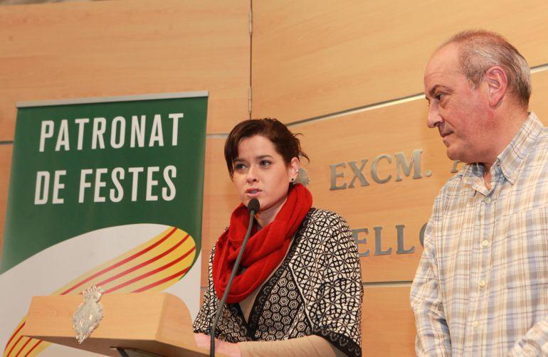 El presidente de la Junta anunció que iba a presentar una querella contra la concejala de Fiestas, Sara Usó