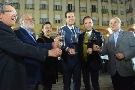 Varias autoridades de la ciudad de Elda han participado en el Winecanting