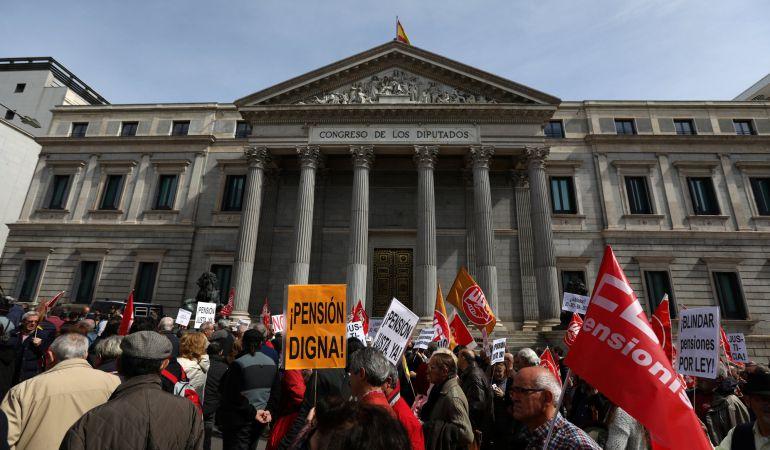 Pensionistas se manifiestan en Madrid