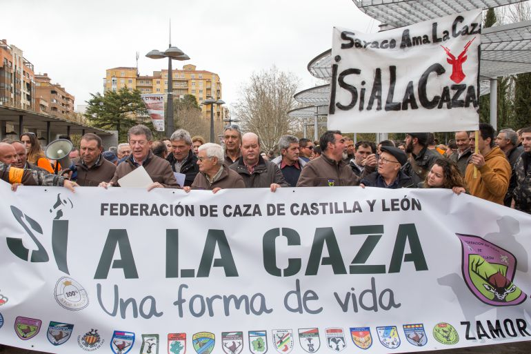 """La Federación de Caza de Castilla y León convoca una manifestación en defensa de esta práctica como un modo de vida y contra los """"ataques"""" de los colectivos animalistas y ecologistas"""