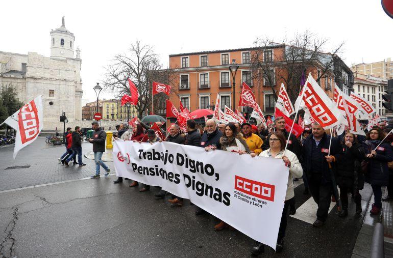 Los Manifestantes han desafiado a la lluvia en Valladolid